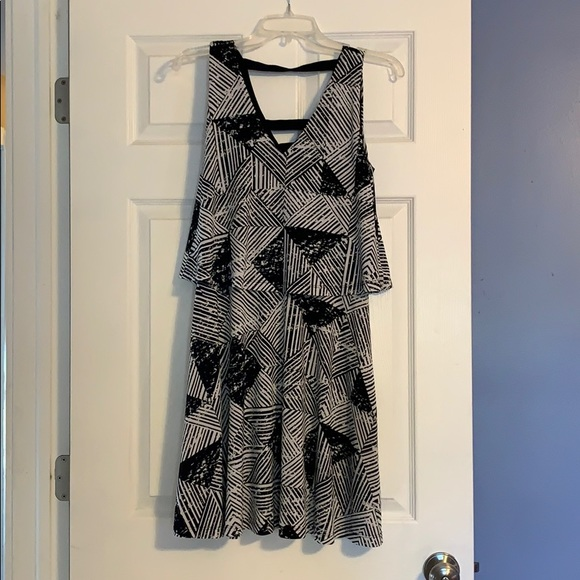 Metaphor Dresses & Skirts - Black & White patterned dress
